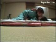 Sex w kimonie przed lustrem - sexi less